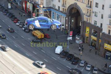 Подъем машины на крышу!