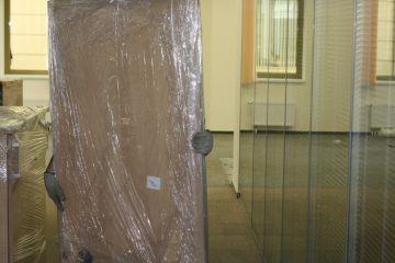 Сборка мебели, упаковка мебели при офисном переезде.