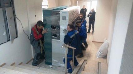 Такелаж медицинского оборудования, такелажные работы 13 700 кг.