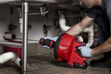 Устранение засоров труб с разбором канализации.